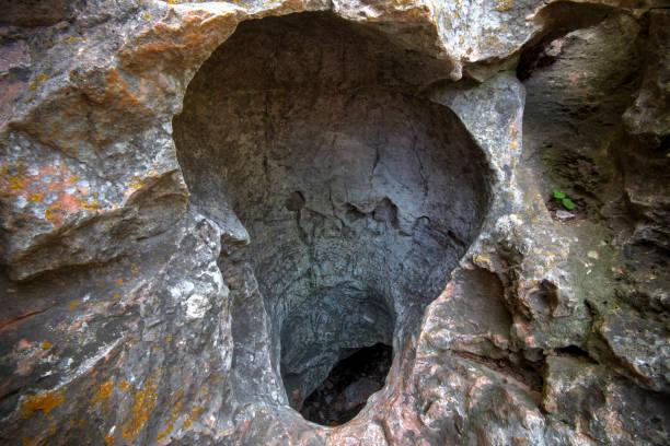 Natürlicher Eingang zur Windhöhle, Wind Cave National Park, South Dakota – Foto