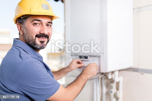 istock Natural Gas Combi Service 837179118