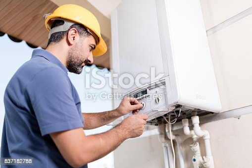 istock Natural Gas Combi Service 837182788