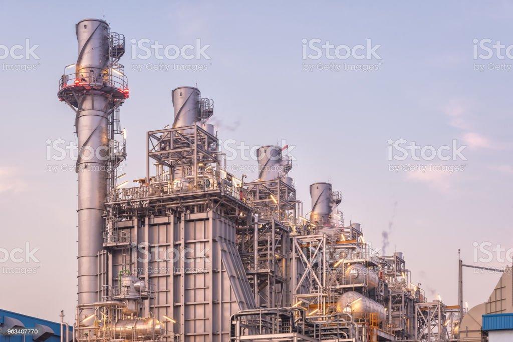 Elektrownia o cyklu łączony gazu ziemnego i generator turbiny - Zbiór zdjęć royalty-free (Rower)