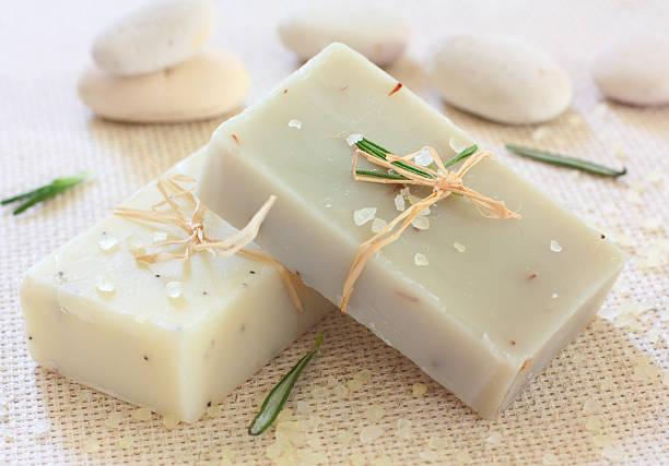 naturale soap.spa realizzata a mano - saponetta foto e immagini stock