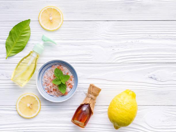 Natürliche pflanzliche Hautpflegeprodukte. Hautpflege Zutaten auf dem Tisch Konzept der besten alle natürlichen Gesicht Feuchtigkeitscreme. Hintergrund der Gesichtsbehandlung. – Foto