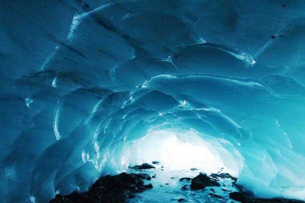 자연 얼음 동굴 - 동굴 뉴스 사진 이미지