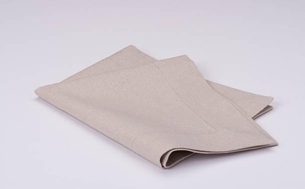 натуральный льняная салфетка на белом фоне - rbg стоковые фото и изображения