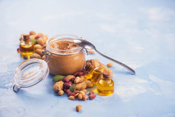Natürliche Erdnussbutter – Foto