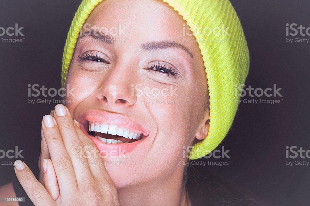 Natural Jovem Mulher Com O Sorriso Perfeito E Limpar A Pele Saudavel