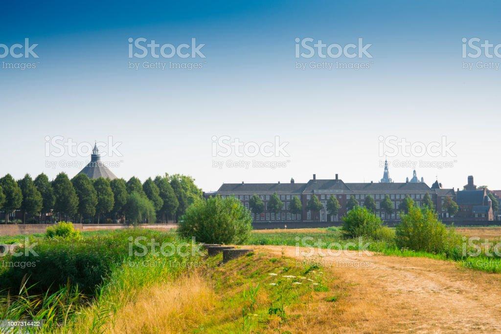 Natuurpark Bossche Broek in Den Bosch, de Hertogenbosch, gebouwen, toren, kerk, Nederland foto