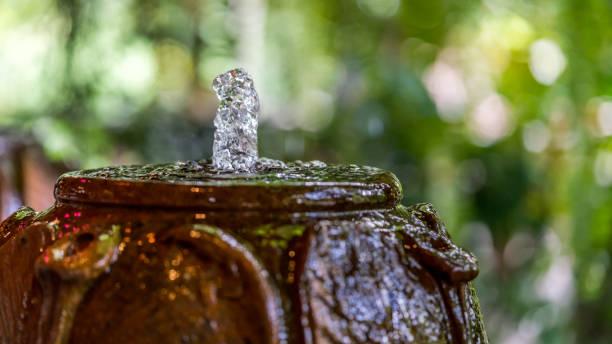 naturfotos - indoor wasserbrunnen stock-fotos und bilder