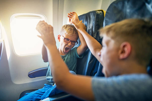 Böse Kinder reisen mit dem Flugzeug – Foto