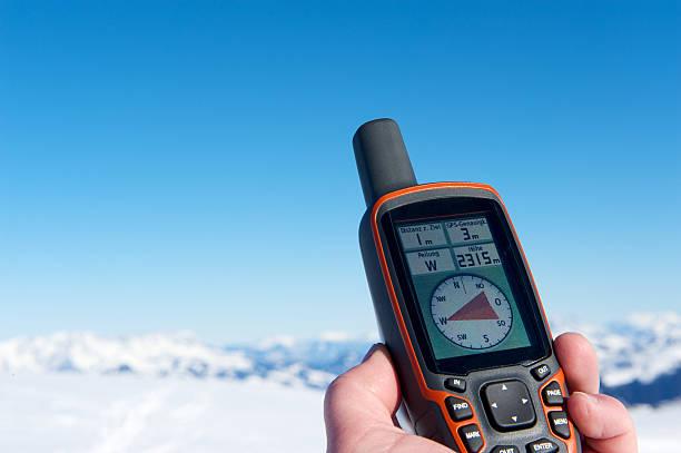 GPS-navigation in den Bergen – Foto