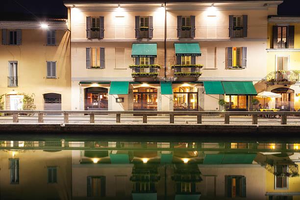navigli, milan city, sommer bei nacht. color image - hotel mailand stock-fotos und bilder