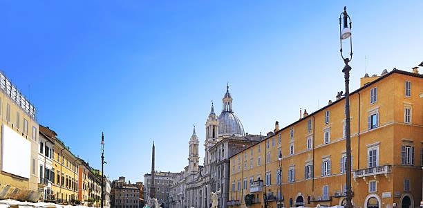 piazza navona, il centro di roma, italia. - rome road central view foto e immagini stock