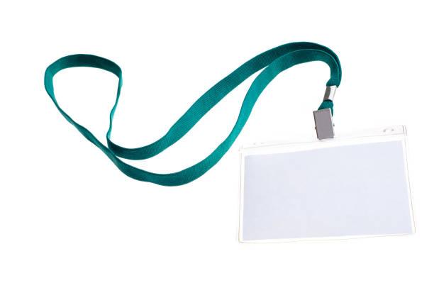 insignia de cuello aislado en blanco con tarjeta de identificación en blanco - foto de stock