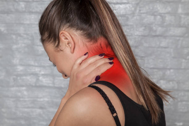 neck injury, pain that paralyzes neck injury, pain that paralyzes cervical vertebrae stock pictures, royalty-free photos & images