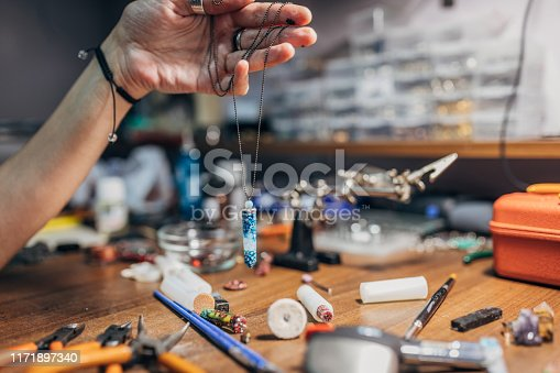 991427116 istock photo Necklace in making 1171897340