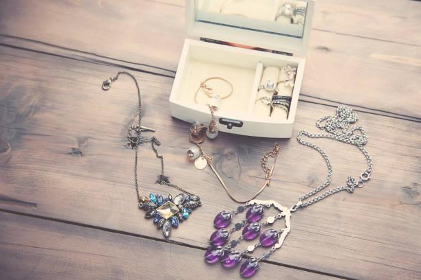 necklaces and boxes - porta retrato imagens e fotografias de stock