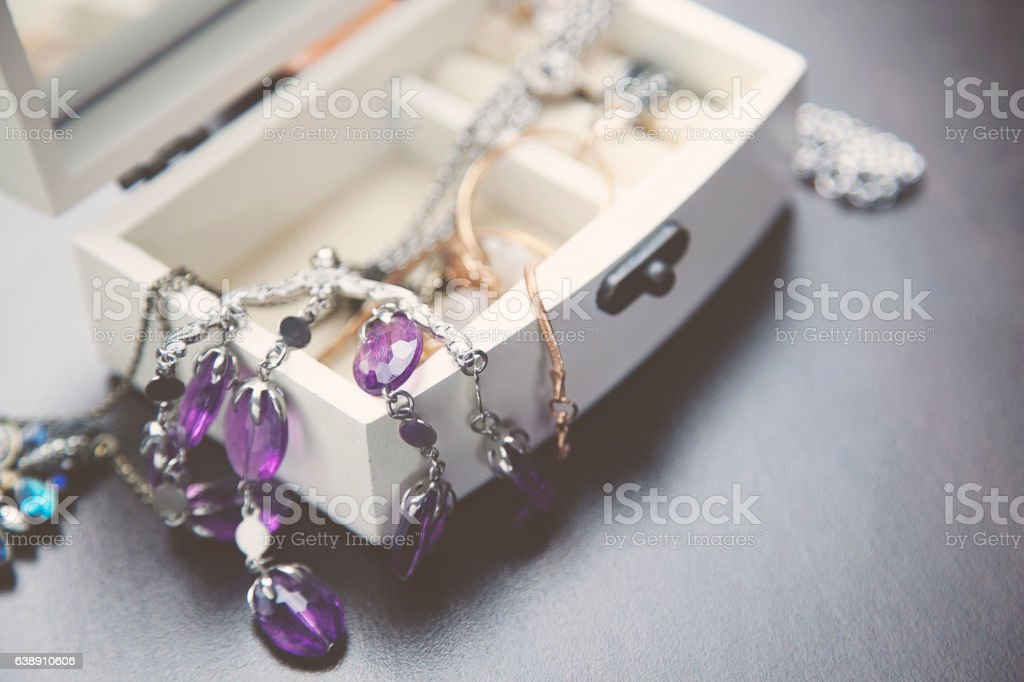 Necklaces, bracelet and Boxes - foto stock