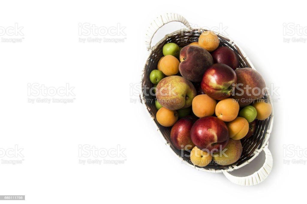 Fotos de fruta nectarina con fondo blanco para el diseño de los proyectos foto de stock libre de derechos