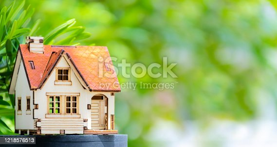 494997002 istock photo Need a house to live concept 1218576513