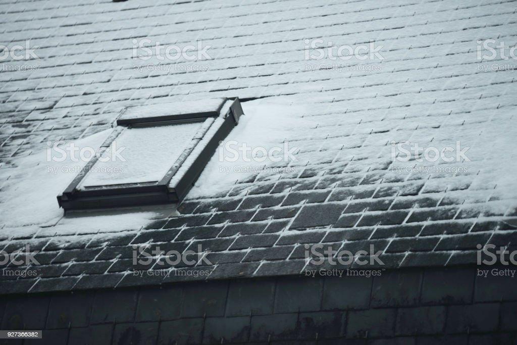 Neige sur le toit - Royalty-free Chimney Stock Photo