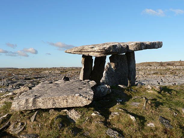 neolithic tombstone - the burren stock pictures, royalty-free photos & images