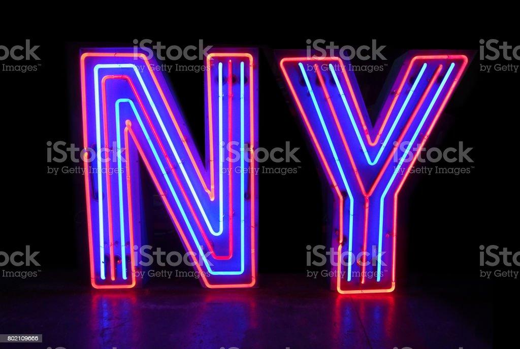 NY Neonschrift Kanal – Foto