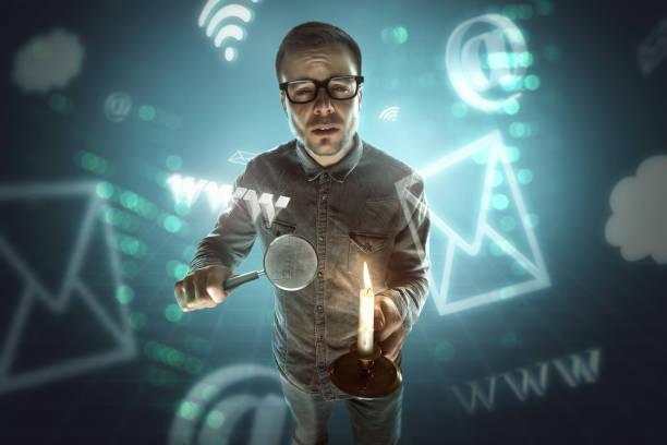 nerd-suche im internet - online lexikon stock-fotos und bilder
