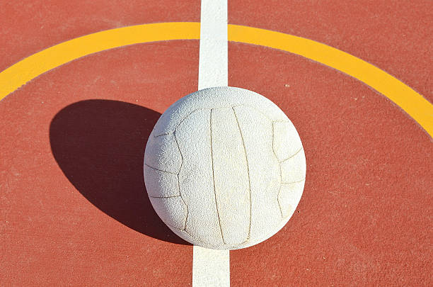 netball season - netball stockfoto's en -beelden
