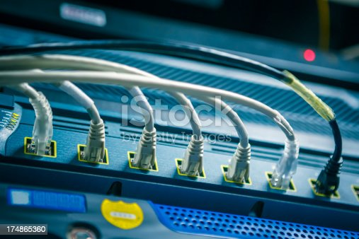 Network hub and cable-------------------- Data Center & Servers ------------------->>