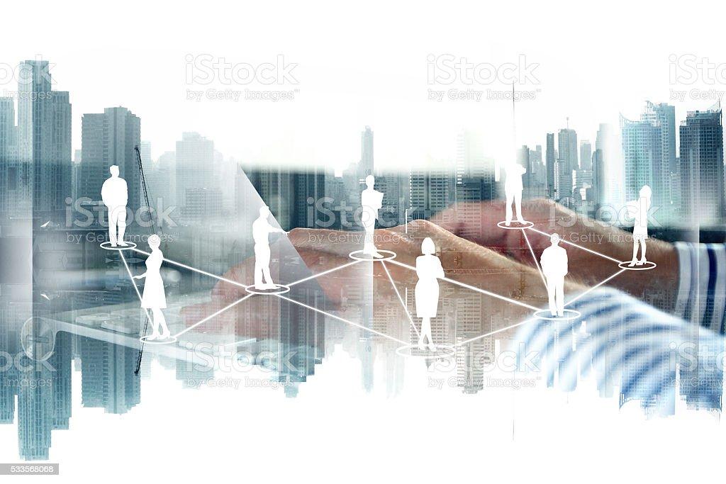 Netzwerk auf Stadt Hintergrund – Foto