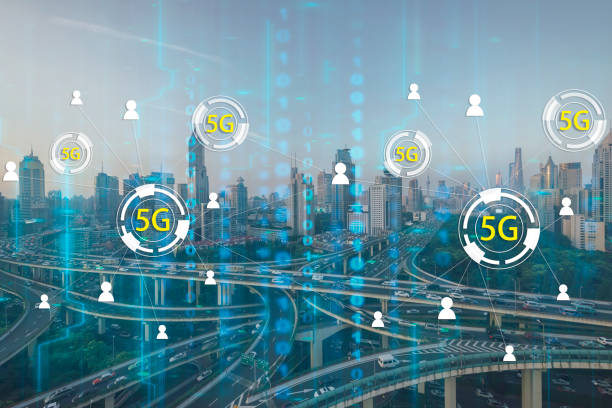 5G Netzwerk Funksysteme mit modernen Stadt skyline – Foto