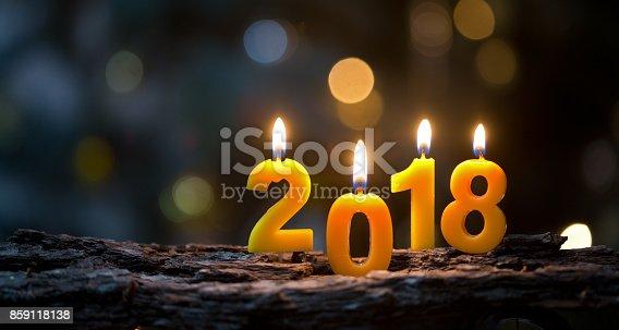 Brennende Kerzen in 2018 Form