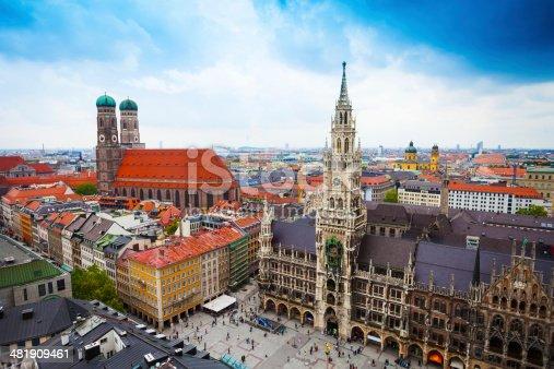 istock Neues Rathaus Glockenspiel, Frauenkirche Bavaria 481909461