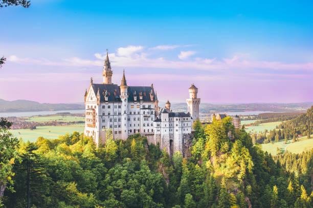 Neuschwanstein castle picture id1148050650?b=1&k=6&m=1148050650&s=612x612&w=0&h=dao5ykxerl r85bhmjny4clft d3pcwsco65 9o 2kw=