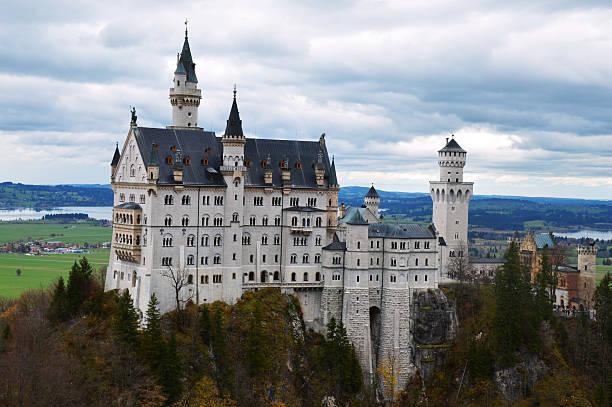 Neuschwanstein fairytale castle picture id496708672?b=1&k=6&m=496708672&s=612x612&w=0&h=wv2dwptgenr6bzo ccnflurxcbzjp at7klmbr4zjpo=