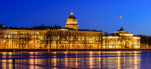 Newa-Ufer Panoramalandschaft in Sankt Petersburg – Foto