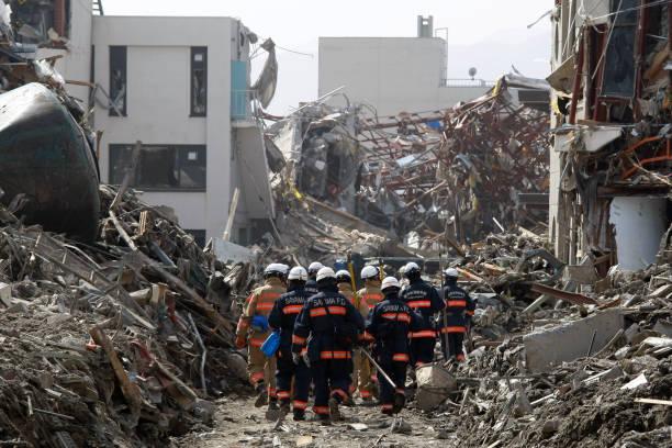 終わりの見えない自然災害 - 危機 ストックフォトと画像