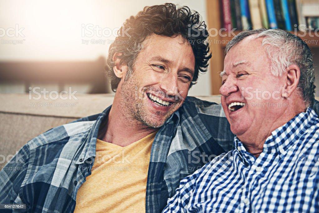 Nunca se é velho demais para um coração para coração - foto de acervo