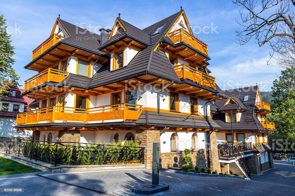New apartment buildings in the regional style, Zakopane, Poland foto royalty-free