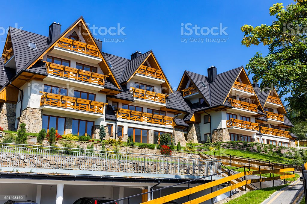 New apartment buildings in the regional style, Zakopane, Poland foto stock royalty-free
