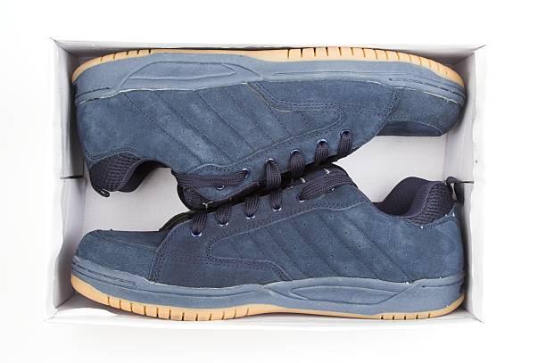 new blue schuh - neue sneaker stock-fotos und bilder