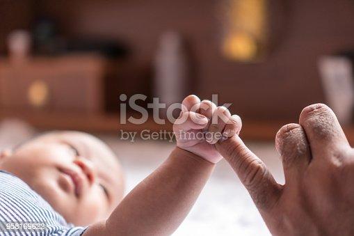 New born baby Catch my little finger