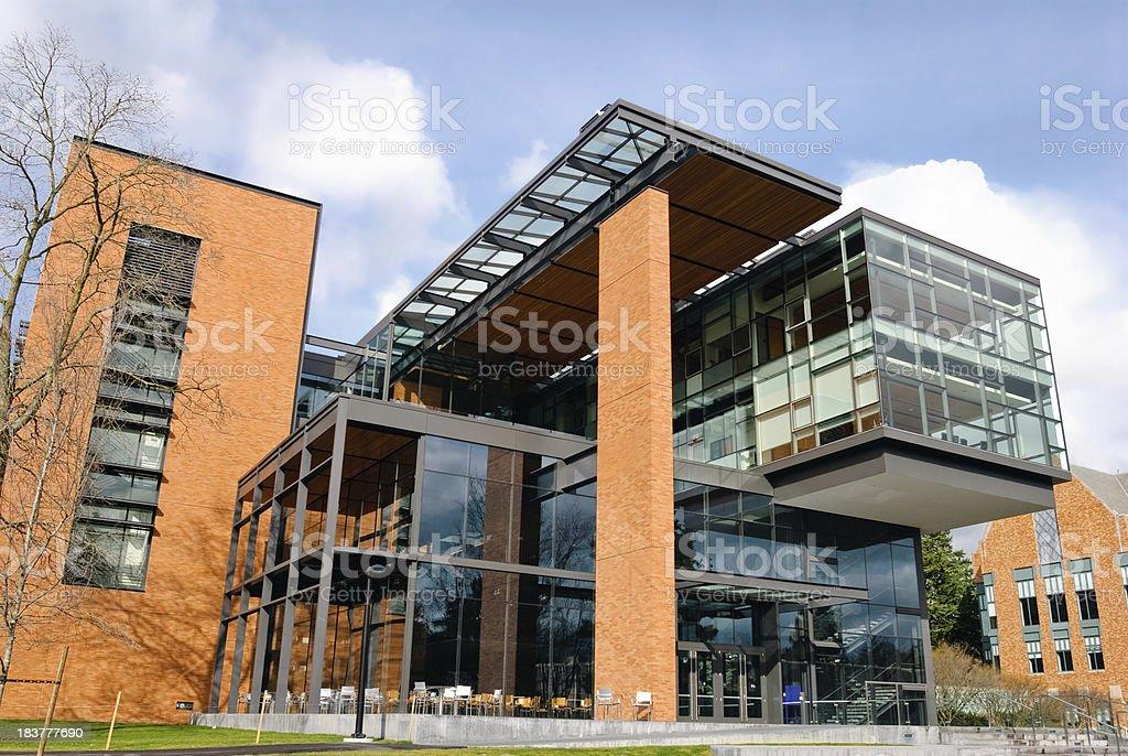 Neues Gebäude auf college-campus an der University of Washington – Foto