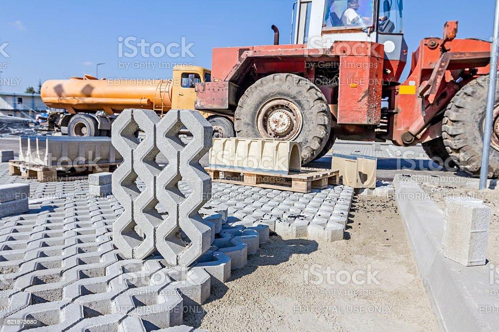 New concrete prefabricated drainage parts for parking lot at bui photo libre de droits