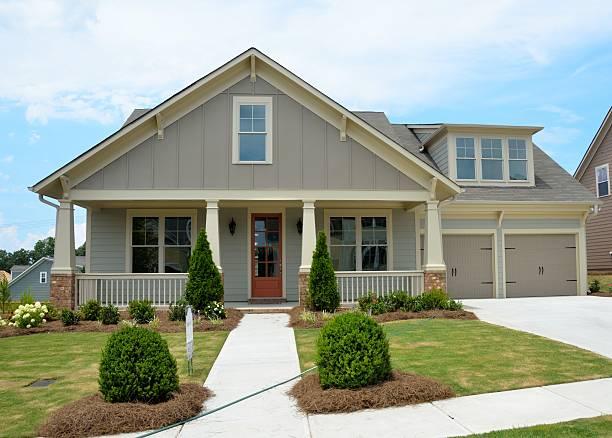nuevo construida casa para venta - sur fotografías e imágenes de stock