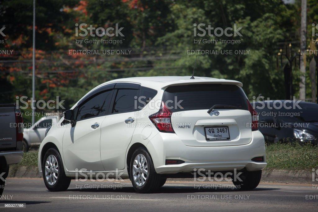 新生態汽車日產注。 - 免版稅交通方式圖庫照片