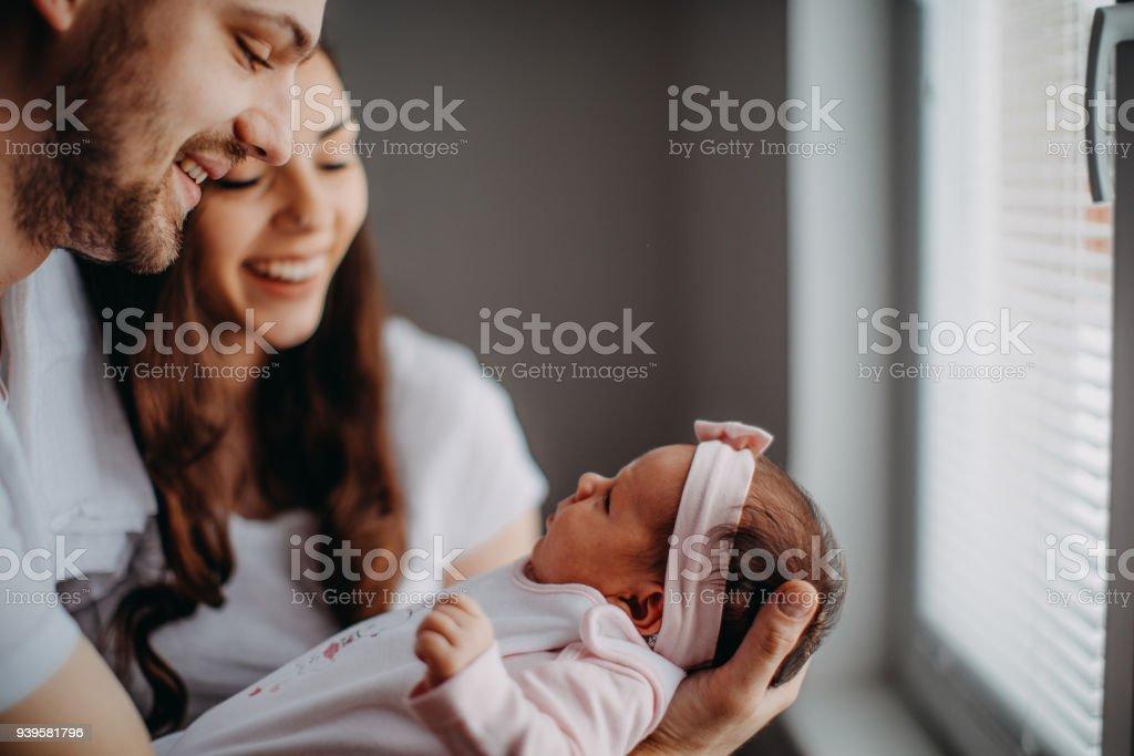 Nuevo miembro de la familia, niña - foto de stock
