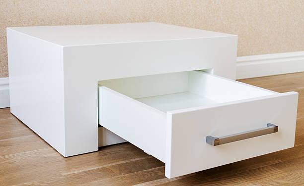 neue möbel, schrank mit schieber - schubladenkommode weiß stock-fotos und bilder