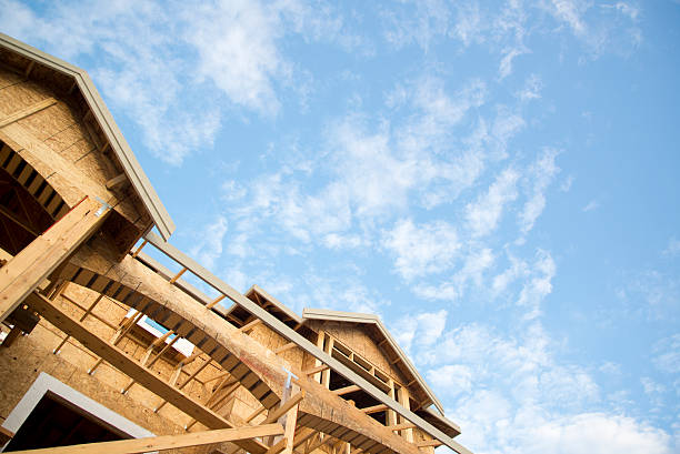 Neues Zuhause Konstruktion vor blauem Himmel – Foto