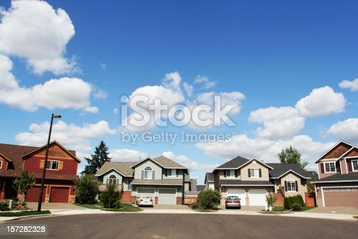 istock New Home in a Couldesac 157282328